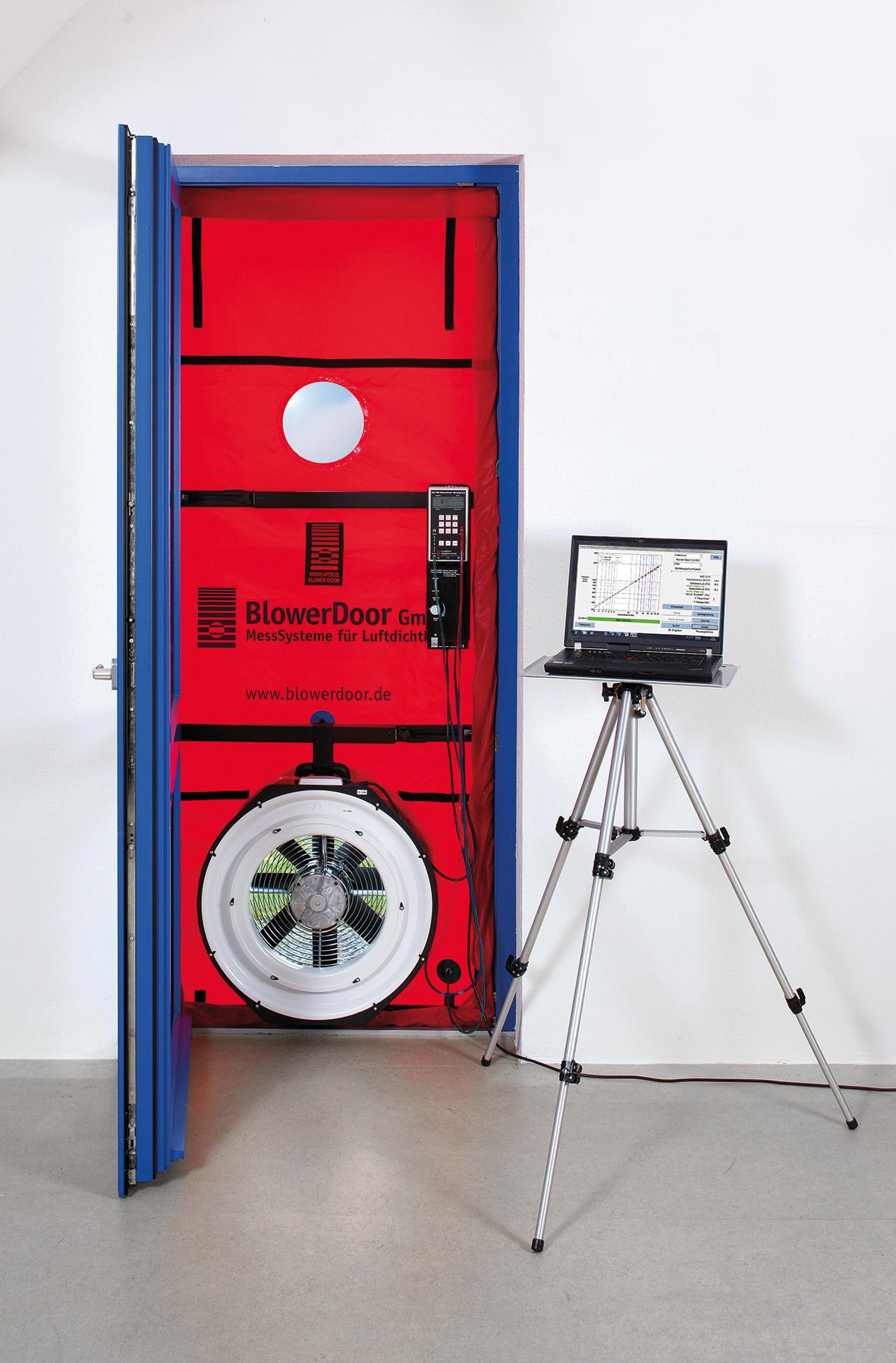 blower door l gt m rs g m r s. Black Bedroom Furniture Sets. Home Design Ideas